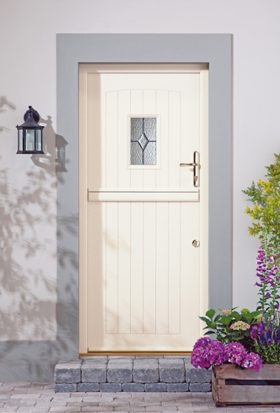 Stable entrance doors